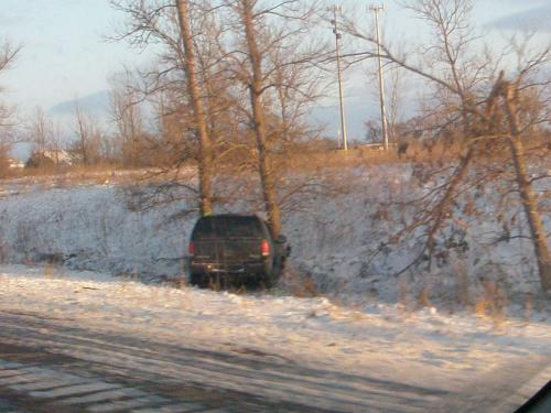 eric-hepperle-winter-car-wreck-iowa-2008-12-01-031.01 1000